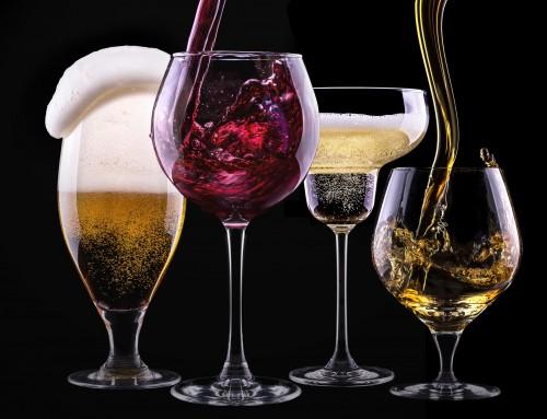Alkohol und das zweite Gehirn: Rotwein hat die Nase vorn